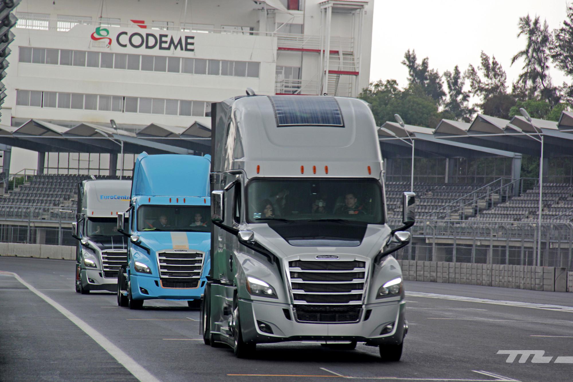 Foto de Freightliner México (8/15)