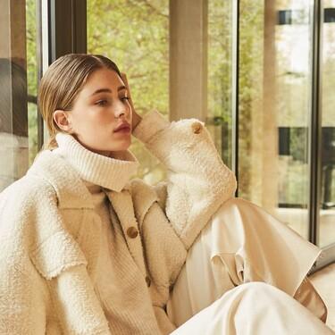 Stradivarius sigue apostando por los looks cómodos de tejidos calentitos para los días de más frío