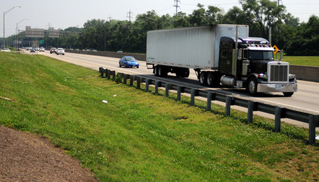 La policía de Alabama ahora multa... ¡desde trailers!