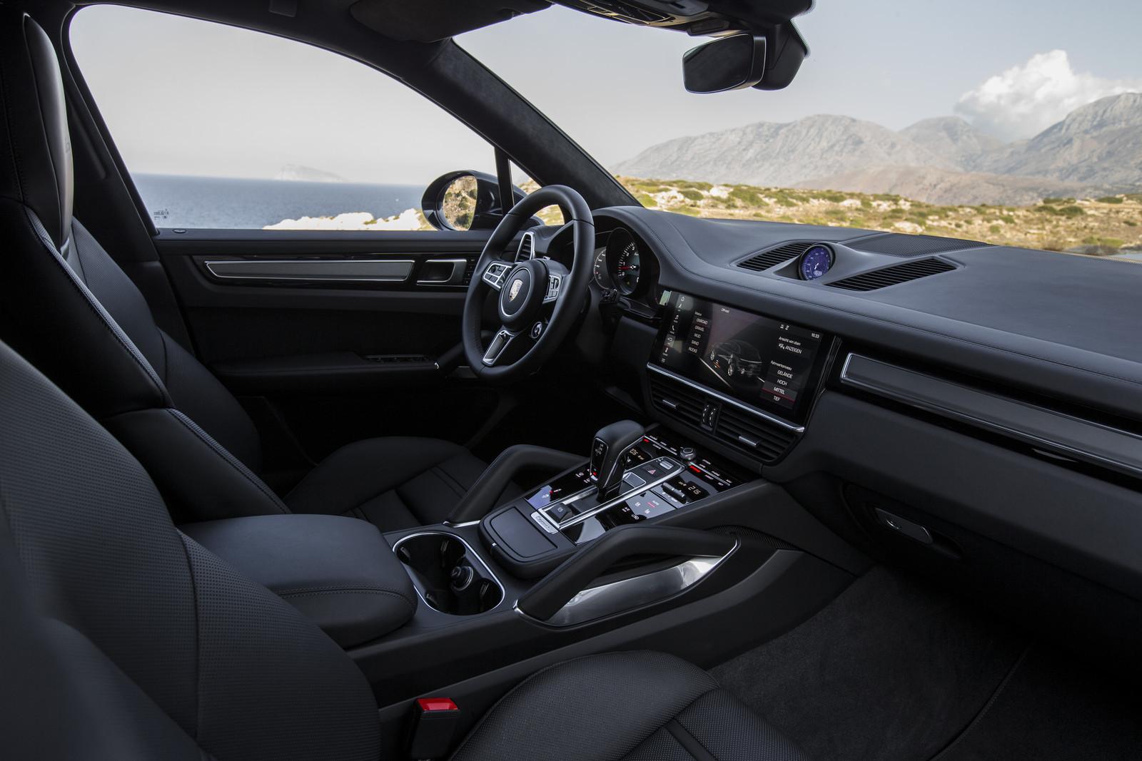Foto de Porsche Cayenne Turbo 2018 (47/71)