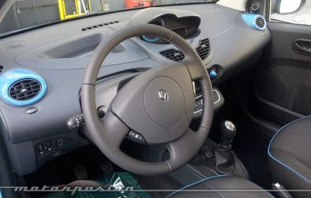 Renault Twingo 2012 Emotion interior 02