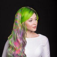 Melenas Tie-dye: lo último en cabelleras a todo color