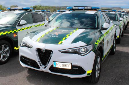La Guardia Civil sigue estrenando monturas: 97 Alfa Romeo Stelvio de 200 CV y tracción total se suman a sus filas
