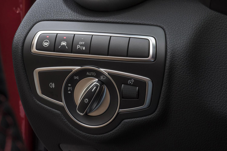 Foto de Mercedes-Benz Clase C 2018, toma de contacto (176/255)