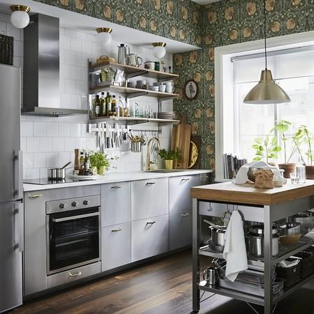 15 islas de cocina móviles para añadir superficie de trabajo y de almacenaje de cocina