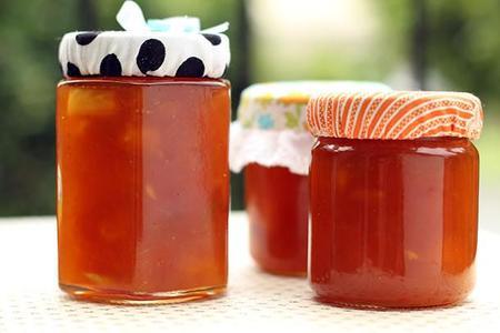 how-to-make-fabric-jam-jar-covers-5.jpg