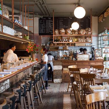 Restaurantes en CDMX ofrecerán servicio dentro de locales al 20% de su capacidad