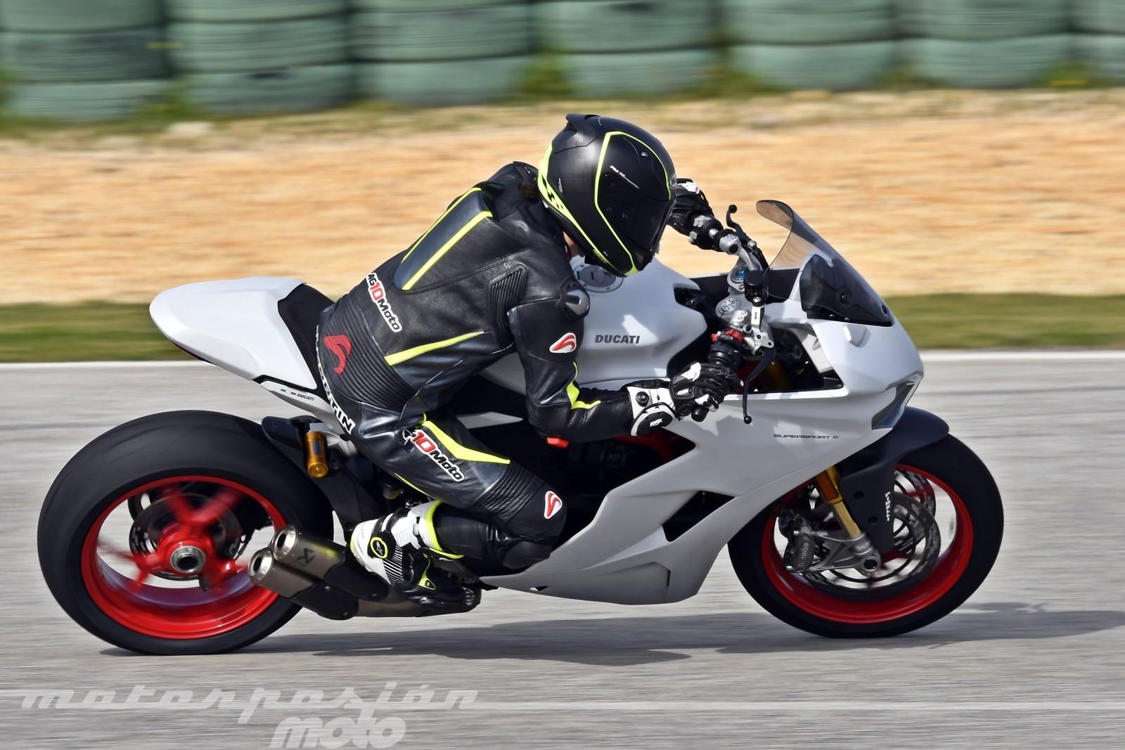 Foto de Ducati Supersport S (1/32)
