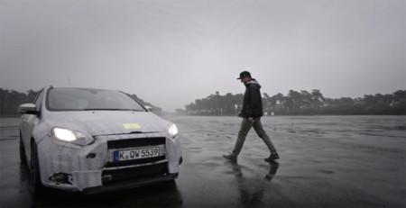 Ford Focus RS: cuarto capítulo del renacimiento de un icono con Ken Block poniéndolo a punto