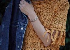 Clonados y pillados: el top de ganchillo mostaza que más gusta en verano