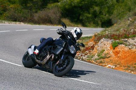 Prueba de la Ducati Diavel para MPM 2