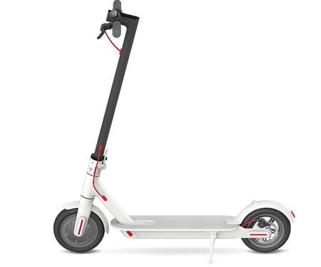 ¿Quieres un patinete eléctrico? El Xiaomi M365 Scooter en color blanco esta rebajado a 323 euros en eBay