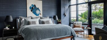 Before and after: a cozy and comfortable bedroom, in blue and gray tones (... and with a terrace)