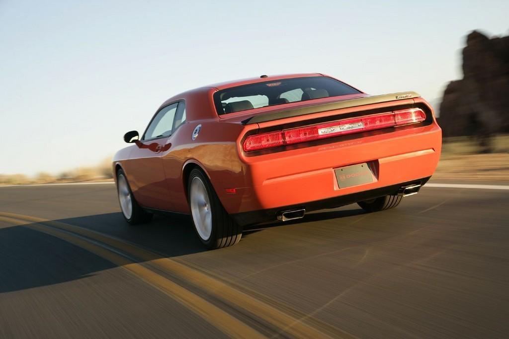 Foto de Dodge Challenger SRT8 (30/103)