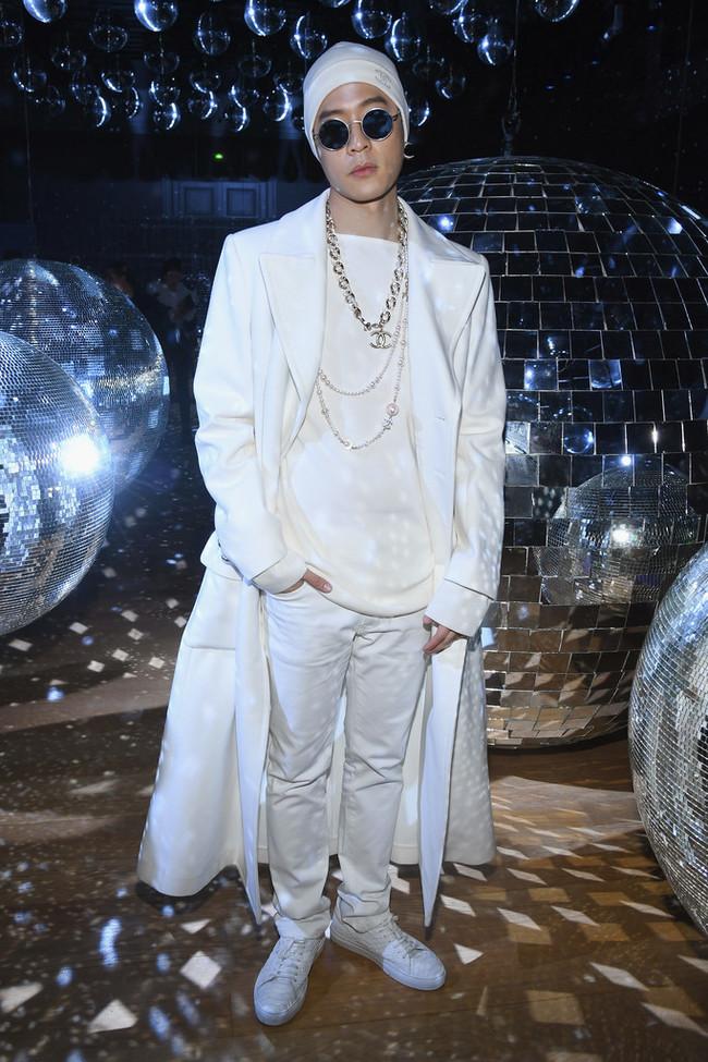 Nick Chou Moncler Gamme Rouge Front Row Paris Fashion Week Womenswear Spring Summer 2018