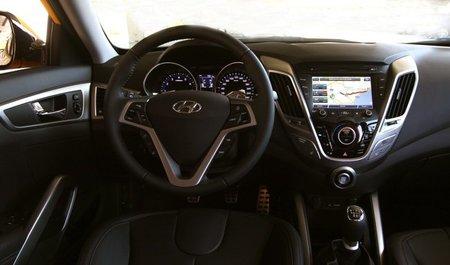 Hyundai-Veloster-int