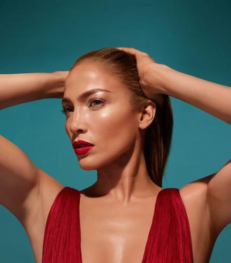 Los rumores eran ciertos y Jennifer Lopez lanzará también su propia línea de maquillaje
