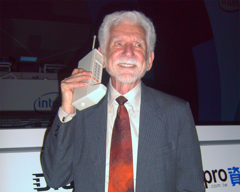 Martin Cooper Motorola® Dynatac