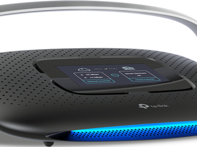 Aún no se puede comprar en tiendas pero el router TP-Link Smart Home AC1900 con pantalla táctil no pasa desapercibido