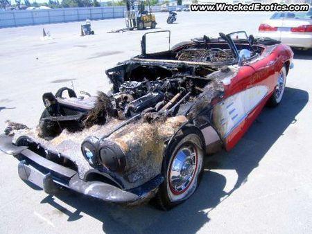 1961 Chevrolet Corvette quemado