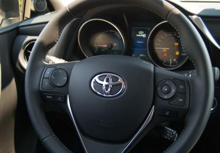 Toyota Auris 2015 Hibrido 24