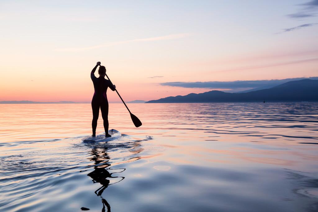 Todo lo que necesitas saber sobre el paddle surf si vas a empezar a practicarlo este verano