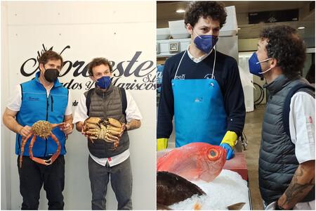 Ivan Dominguez Junto A Dos De Sus Proveedores Pescados Y Mariscos Del Noroeste En El Puerto De Coruna Y Pescados Rabina En El Mercado De La Plaza De Lugo
