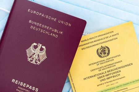 Si quieres ser libre para viajar necesitarás el Certificado Verde Digital de la UE: un pasaporte con QR que diga que estás libre de COVID-19