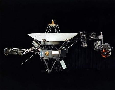 La sonda Voyager 1 continúa su viaje y podría haber cruzado el límite de nuestro sistema solar