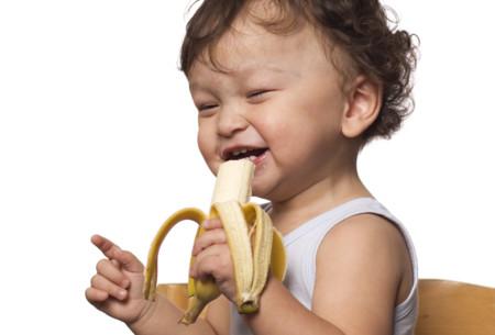 Hábitos de alimentación saludable para los peques: qué hacer y qué evitar