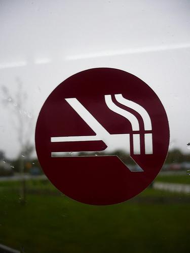 En Reino Unido siguen descendiendo las hospitalizaciones por asma infantil tras seis años de Ley anti tabaco