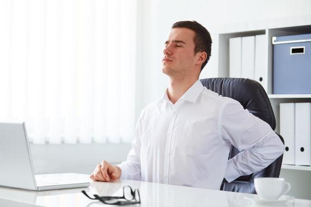 Tres claves para evitar el dolor de espalda con el teletrabajo