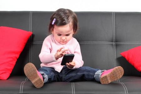 Los móviles y las tablets podrían estar afectando negativamente al desarrollo social y emocional de nuestros hijos