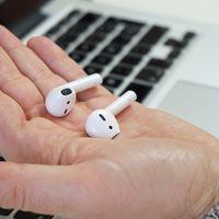 Auriculares inalámbricos Apple AirPods con un 20% de descuento y envío desde España