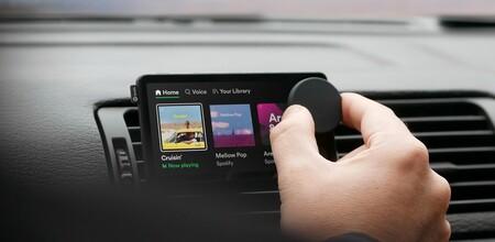 """Car Thing: el primer dispositivo de Spotify no es un altavoz, sino un """"estéreo"""" para escuchar música por streaming desde el auto"""