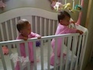 El vídeo de las gemelas sincronizadas