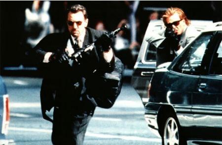 ¿Cuántas veces han muerto las estrellas de cine en sus películas?