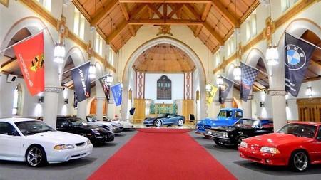 The Holy Grail Garage, el paraíso de los petrolheads existe y tiene un toque de misticismo