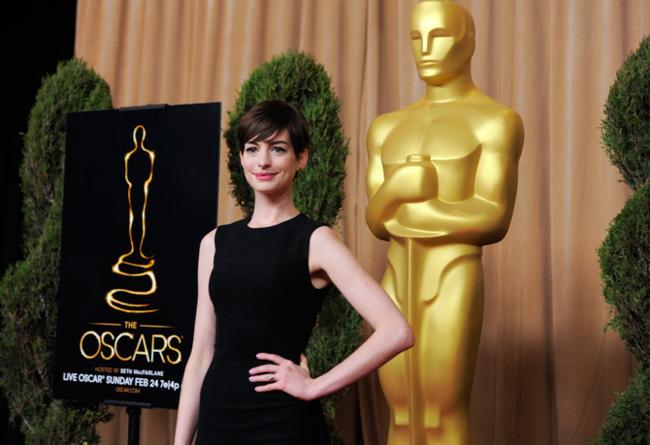 Anne Hathaway Oscar 2013