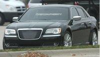 Chrysler 300C 2012, fotos espía de una atrevida renovación