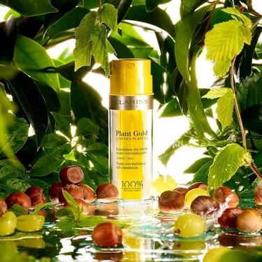 Clarins amplía la familia Plant Gold L'Or des Plantes, su nueva emulsión en aceite que ya hemos probado (y disfrutado)
