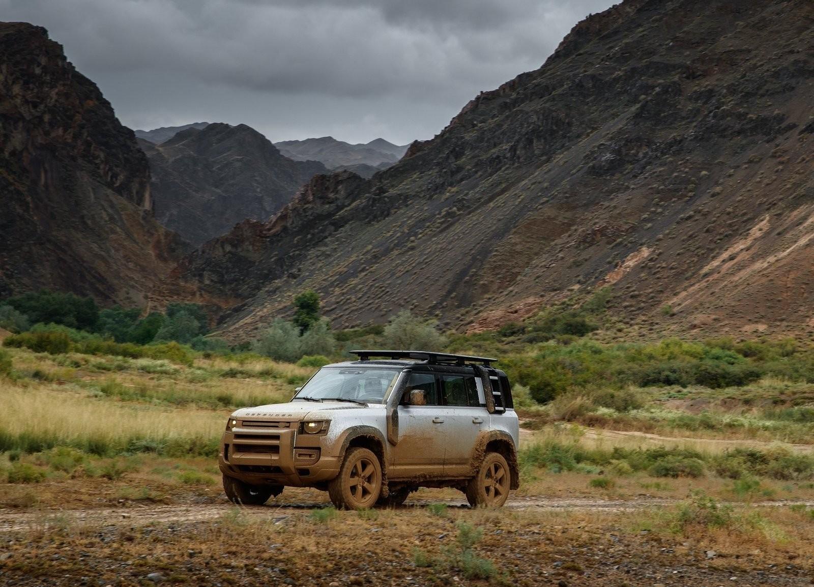 Foto de Land Rover Defender 2020 (10/60)