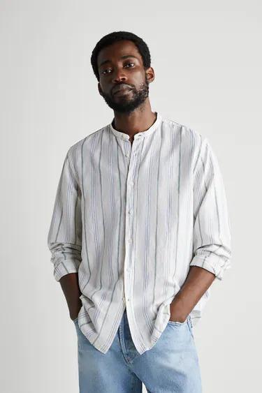Camisa a raya verticales en lino con cuello mao