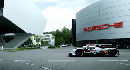 Así da Audi la bienvenida a Porsche a Le Mans