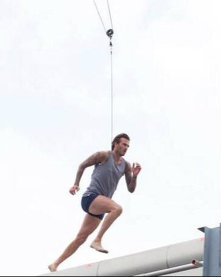 Se avecina un nuevo David Beckham en calzoncillos... ¡y tan contentos!