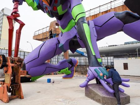 Eva Statue 03