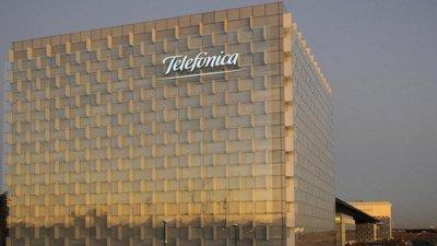 Telefónica crece en clientes de Fusión y móvil en España pero sus ingresos retroceden ligeramente