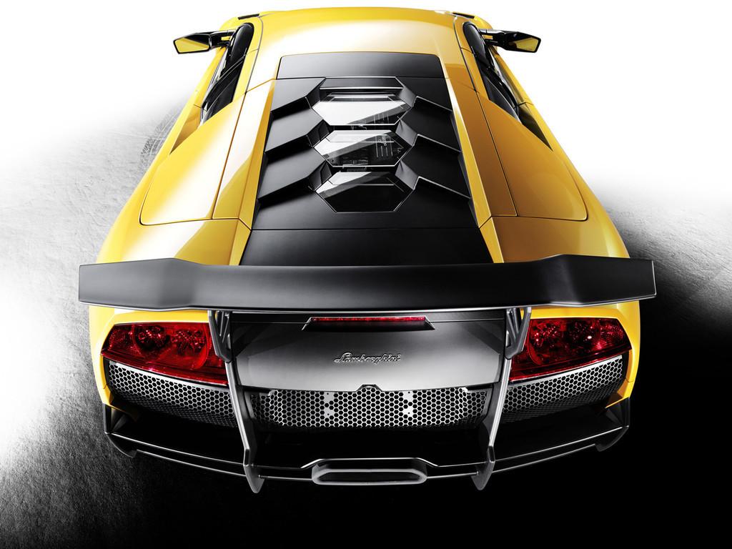 Foto de Lamborghini Murciélago LP670-4 SuperVeloce (3/5)