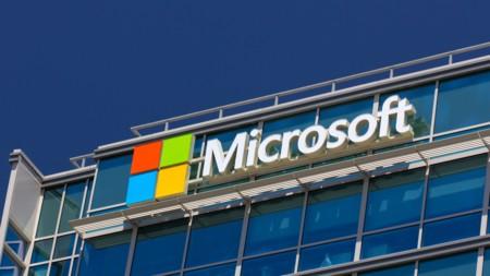 La nube de Microsoft crece en un 102% mientras que sus móviles se hunden en un 71%