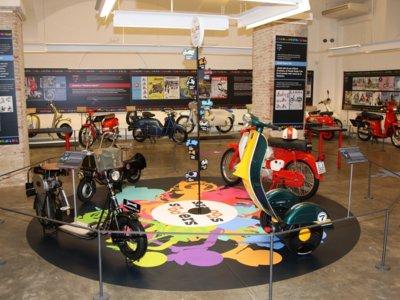 Scooters, un siglo de moto urbana (1916-2016) en el Museo Moto Barcelona